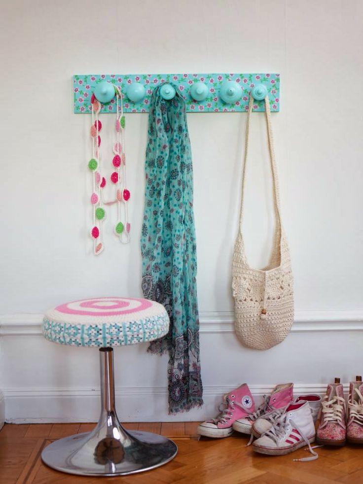 Sanna & Sania: Häng upp på gamla gardinknoppar