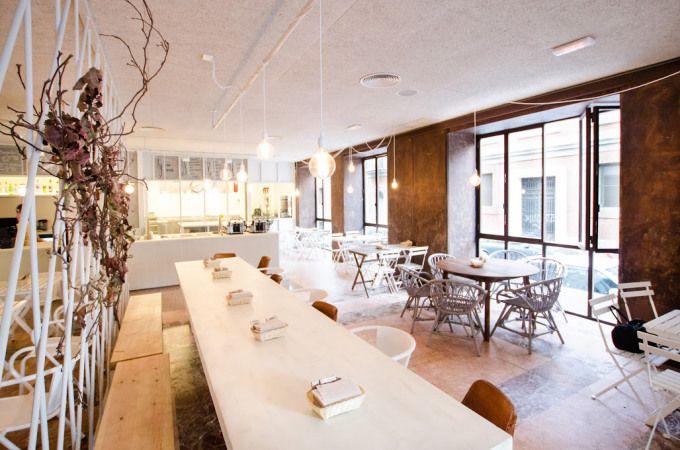Tierra Burrito Bar: #Mexican restaurant in Madrid || #stores #restaurant #decor #design #inspigraphtion