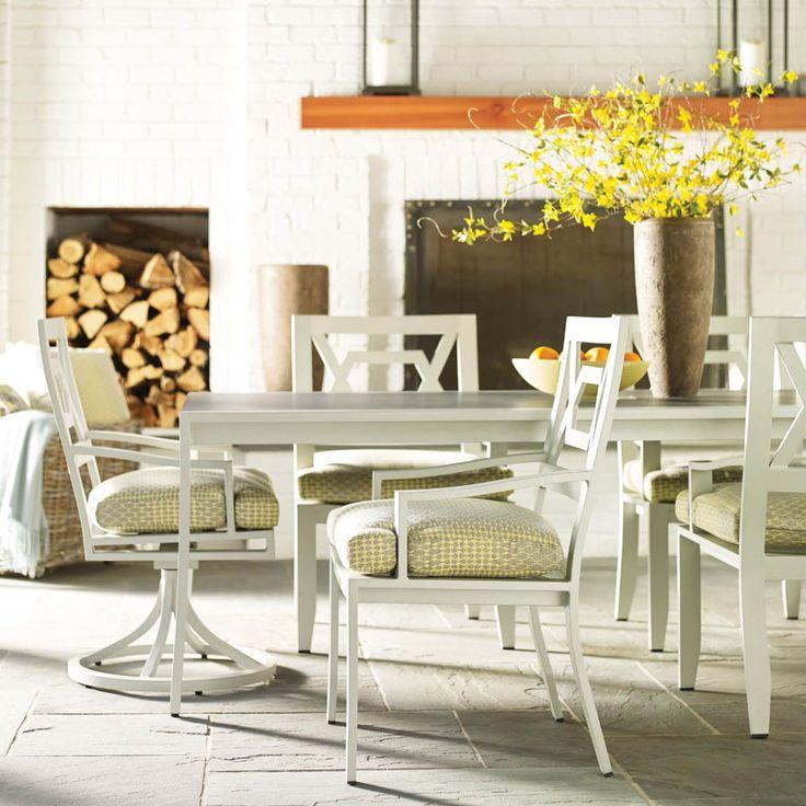 Коллекция SPECTOR – великолепная мебель в современной интерпретации стиля Chippendale, выполненная из алюминия. Характерные для стиля Chippendale конструкции ( «бабочки», «скрещенные сабли» и т. д.) щедро используются в дизайне кресел различной конструкции, многочисленных столов и столиков, увенчанных эффектными стеклянными столешницами «под камень» #lane_venture