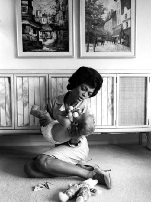 Eartha Kitt and her daughter Kitt McDonald photographed by Moneta Sleet, 1962.