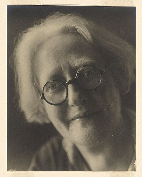 Margaret MICHAELIS Austria 1902 – Australia 1985 Movements: Australia from 1939 Ette Federn-Kolhaus, Barcelona 1934-37 c.1934-37 gelatin silver photograph image 17.7 h x 13.8 w cm Gift of the estate of Margaret Michaelis-Sachs 1986 Accession No: NGA 86.1384.148