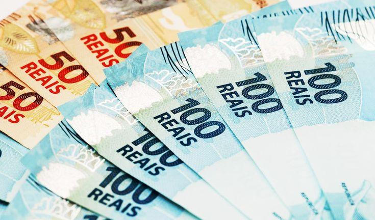 Caixa libera uso do FGTS como garantia para empréstimo consignado -   A Caixa Econômica Federal divulgou nesta terça-feira(4) as regras para uso do Fundo de Garantia do Tempo de Serviço (FGTS) como garantia para empréstimos consignados, com parcelas descontadas diretamente na folha de pagamento dos trabalhadores. A nova modalidade de crédito terá 48 meses - http://acontecebotucatu.com.br/nacionais/caixa-libera-uso-fgts-como-garantia-para-emprestimo-consignado
