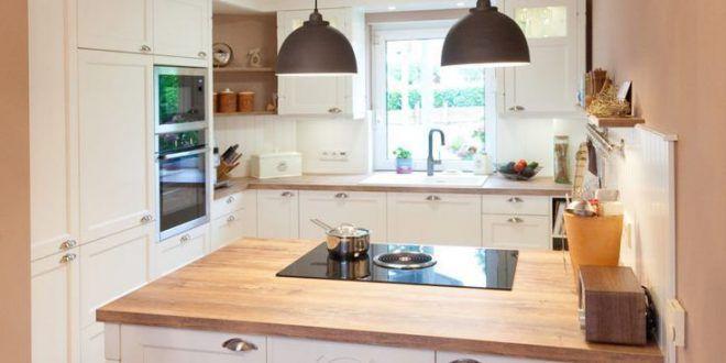 moderne landhausküche weiß klassisches holz kücheninsel