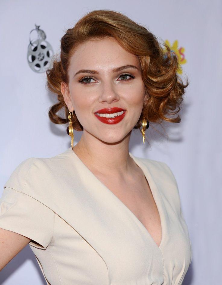 Le carre roux retro de Scarlett Johansson