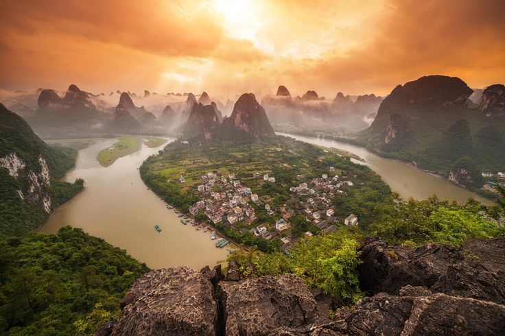 View of the Li River from the top of Lao Zhai Shan one of the highest peaks in Yangshuo that you can climb. Xingping Guangxi Province China [2048x1365] Photo by Peter Stewart. wallpaper/ background for iPad mini/ air/ 2 / pro/ laptop @dquocbuu