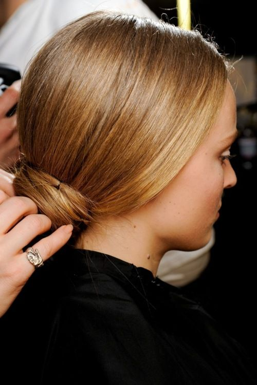moño bajo: Bun Hair Styles, Fashion Week, 2012 13 Milan, Fw 2012, Dolce & Gabbana, Low Bun, Beauty, Hair Color
