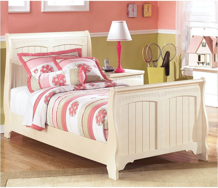 Signature Design by Ashley Cottage Retreat Sleigh Bed