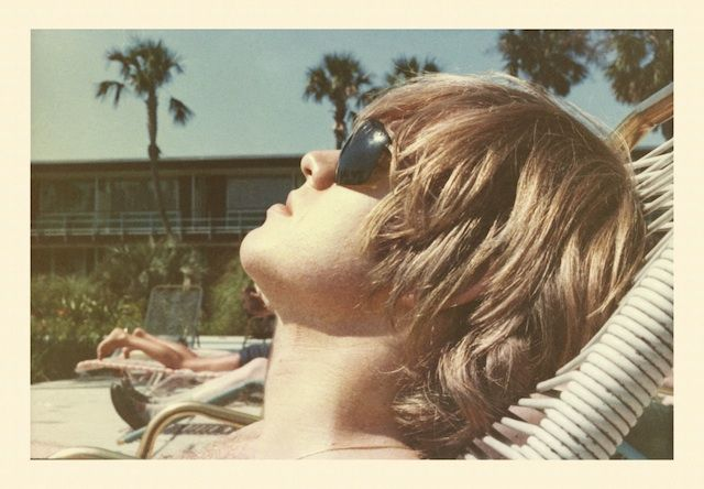{brian jones catches some rays in clearwater, florida} #estilo