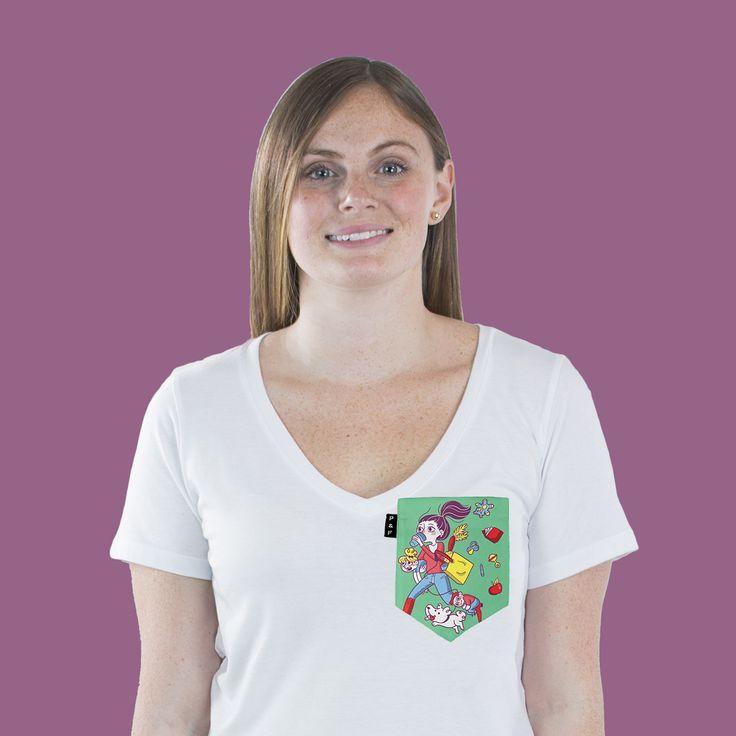 Women's clothing・Pocket tee・V neck・Mom・Maman Caféine・Collaboration・Montreal ❖ Vêtements pour femmes・Col en V・Chandail à poche・Maman・Cadeau maman・Montréal