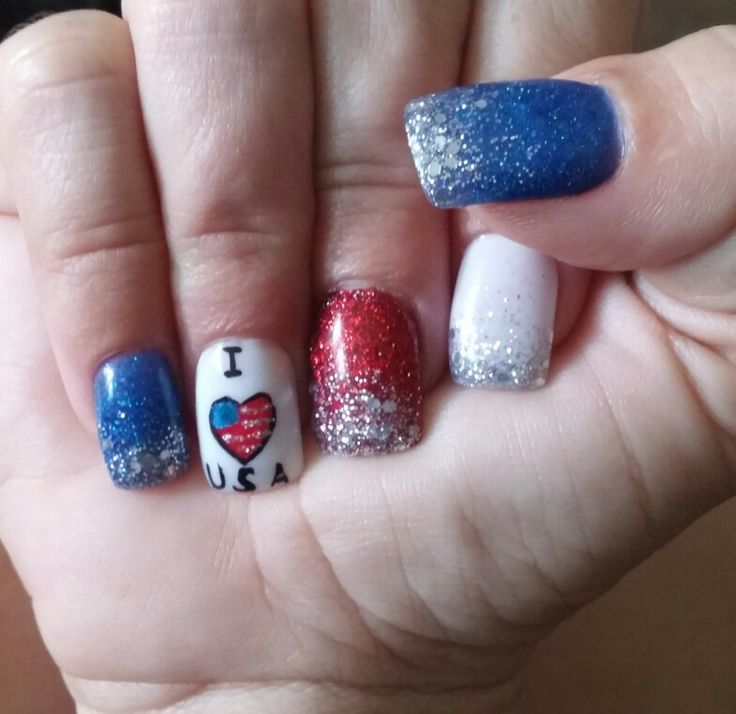 Blue glitter powder, red glitter powder and white powder all tipped with silver powder except accent nail with patriotic design for the 4th of July. Hope everyone had a good 4th!