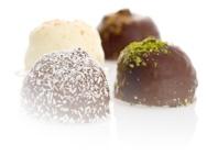 Kjæstrup flødeboller med forskellig chokolade og pynt