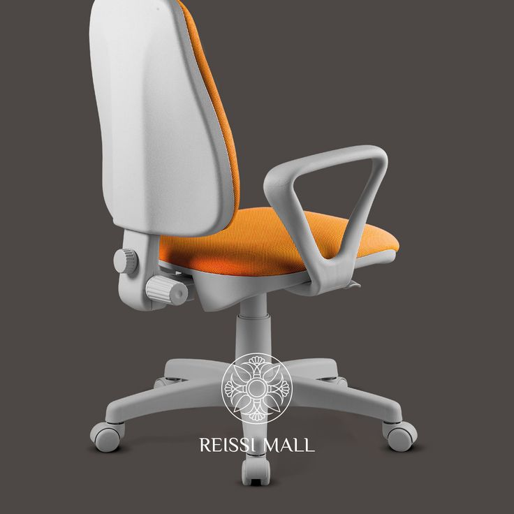 Bringing a touch of Italian luxury to the office, Italian brand, Comel, has a great range of innovative, versatile and affordable office furniture.