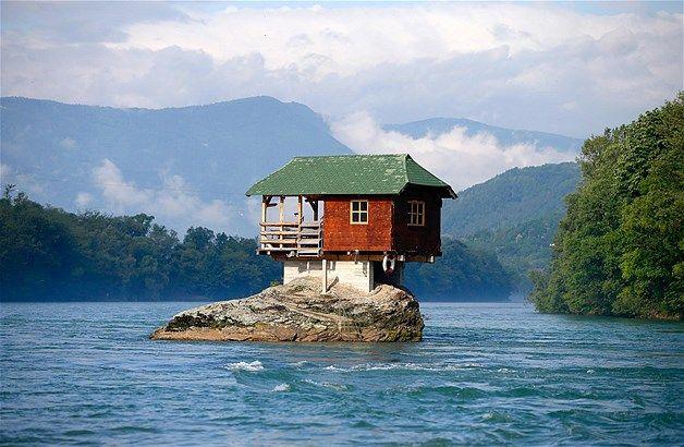 Image: Unusual Homes (© REUTERS/Marko Djurica)