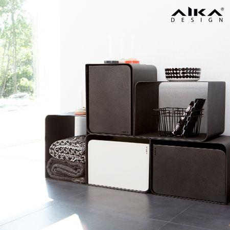 AIKAdesign - PALA sisutuskuutio. Yksinkertaisen kaunis PALA soveltuu moneen käyttöön. Se on valmistettu merialumiinista, mikä tekee siitä kevyen ja tukevan. Kuutio mukautuu käyttötarpeen mukaan esimerkiksi tavaroiden säilytykseen, apupöydäksi tai jakkaraksi. Kaksi AIKA tuotteista tuttua väriä antaa mahdollisuuden rakentaa Kuutiosta mielenkiintoisia kokonaisuuksia. Soveltuu sekä sisä- että ulkokäyttöön. PALAan on saatavana lisäosana myös laatikko. PALA cube  #aikadesign #aika #pala #design