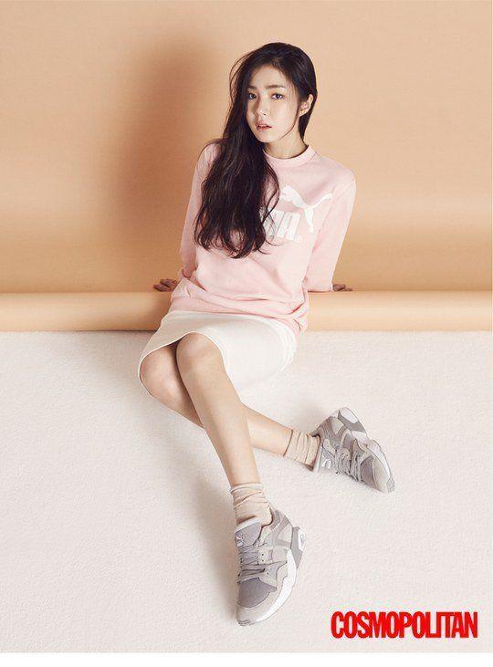 "Shin Se Kyung Rocks Her Sexy Athletic Look in ""Cosmopolitan"" | Koogle TV"