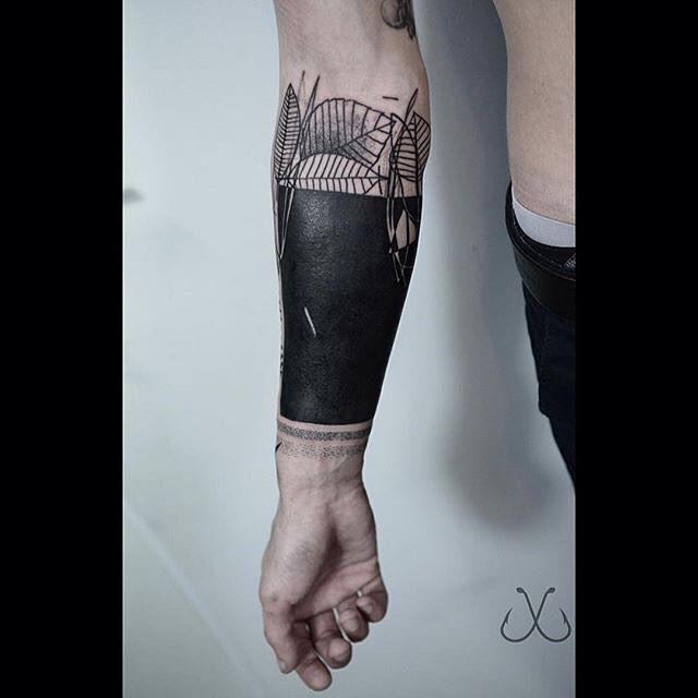 162 best blackwork tattoo images on pinterest blackwork design tattoos and tattoo designs. Black Bedroom Furniture Sets. Home Design Ideas
