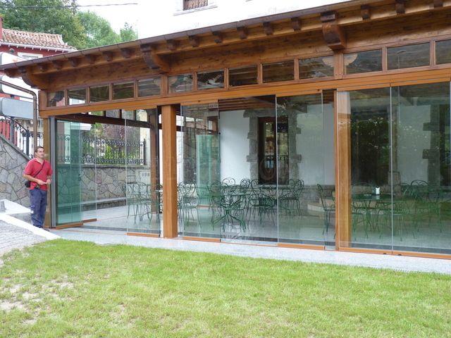Foto vista frontal cierre hotel el tilo cortinas de - Cortavientos de jardin ...