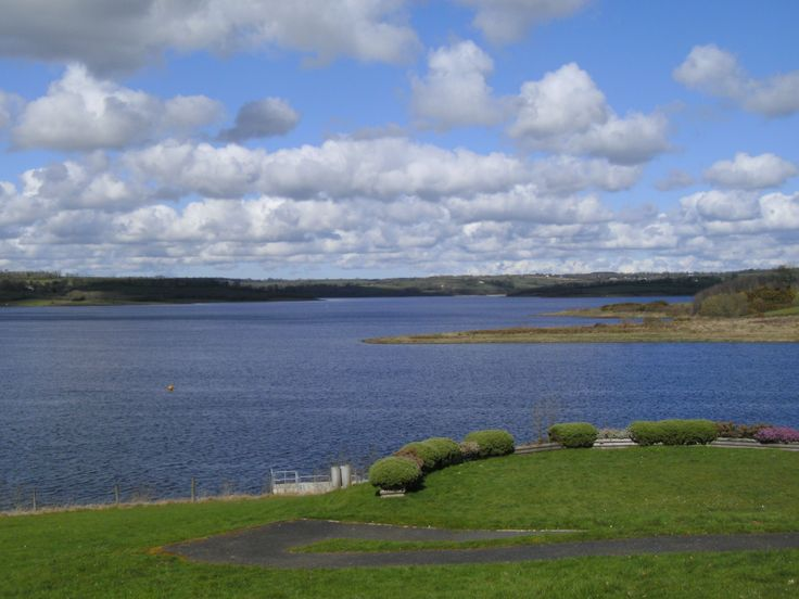 Roadford lake . by Angela C.