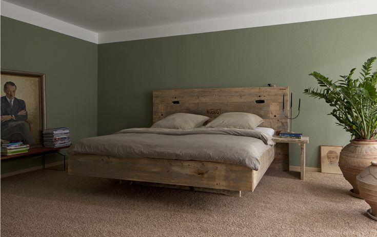 "Bauholz Bett, rustikal,""schwebend"" von timber classics auf DaWanda.com"
