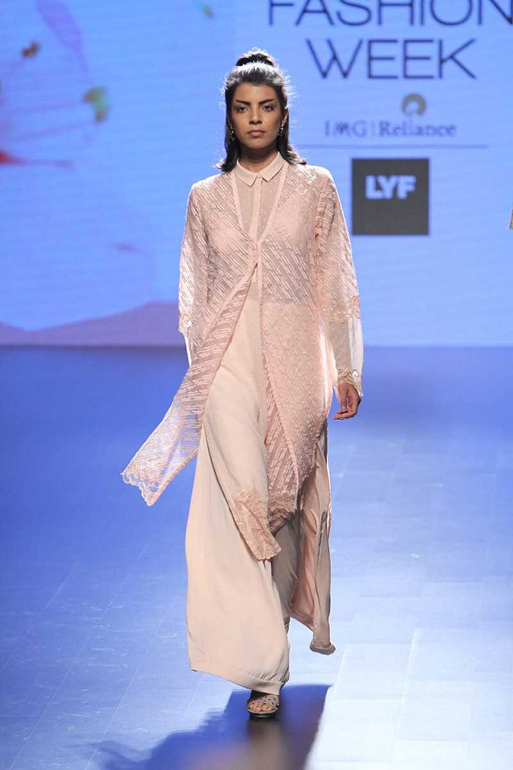 Neeta Lulla. SR 16'. Indian Couture.