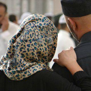 Pour la première fois en Arabie Saoudite, les femmes peuvent voter mais aussi se présenter aux élections municipales du pays. Environ 900 femmes se sont déjà portées candidates pour l'élection qui se tiendra le 12 décembre prochain.  C'est en 2011 que les Saoudiennes ont obtenu le droit de vote et d'éligibilité par le roi Abdallah, suite aux révolutions des printemps arabes. En 2013, le le roi Abdallah avait par ailleurs nommé plusieurs femmes au Majlis Al-Choura, un conseil consultatif…