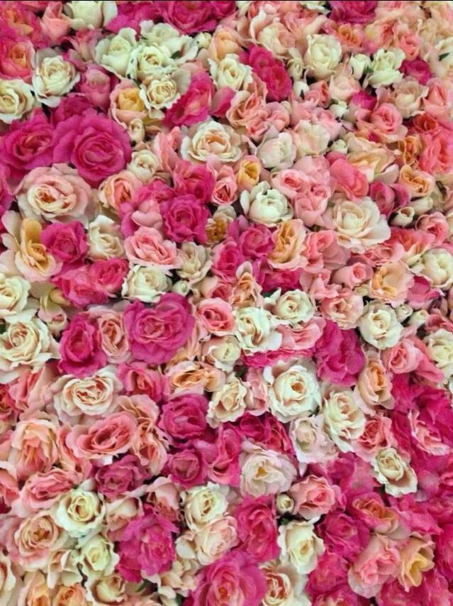The Bed Of Roses Wall #details #whiteluxe #flowerwall #melbourne