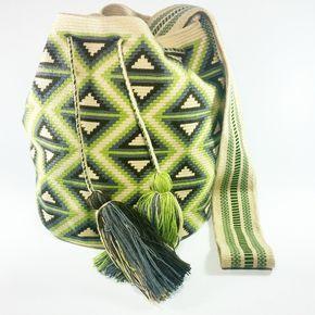 PC-783 #Mochila #wayuu #eliwayuubags #beige #arte #tradición & #color #hechoamano #estilo #hippie #moda #tendencias #adicción #momentos #magia #casual #wayuubags #bolsaswayuu #wayuubolsas #bolsawayuu #Colombia #Usa #Brasil Info: Whatsapp 3006388348 Envíos nacionales e intenacionales