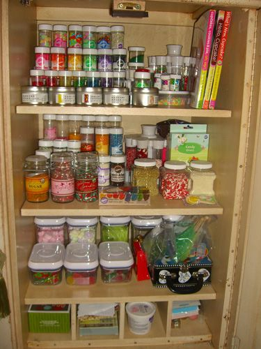 i really need to organize my baking stuff.. if only it would look like this!