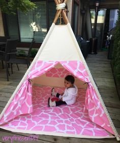 DIY: Pottery Barn insprired teepee sewing tutorial with playmat, pocket and window. Materials: Fabric.com Giraffe print, Hobby Lobby duck canvas, red oak dowels, nylon rope, suede lace ribbon.