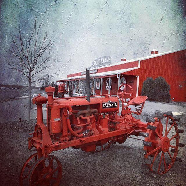 Ruleofred 27 28 February Christmastreefarm Farmalltractors Februarygloom Onedaytogo Farmall Tractors Farmall Vintage Tractors