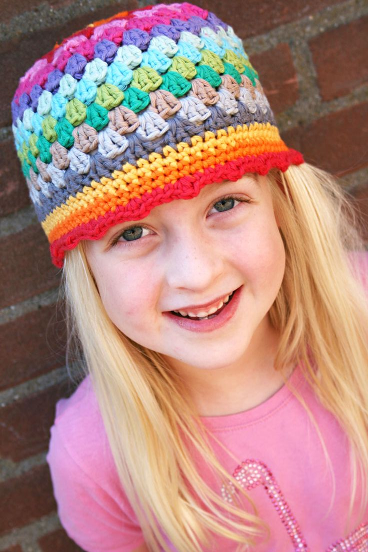 Free tutorial.: Free Pattern, Rainbows Beanie, Rainbows Hats, Hat Patterns, Granny Squares, Crochet Hats Patterns, Beanie Pattern, Beanie Hats, Free Rainbows