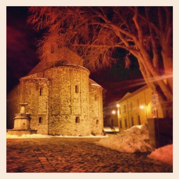 Buonanotte da San Leo, cuore della Valmarecchia... - Instagram by @lavalmarecchia