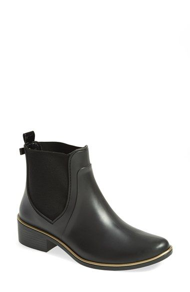 Free shipping and returns on kate spade new york 'sedgewick' rubber rain boot (Women) at Nordstrom.com. Take your rainy-day style up a notch with a modern Chelsea boot in classic, puddle-proof rubber. The midsole is given the Midas touch with a gleaming, golden sheen, and kate spade's signature bow sets off the pull-tab at back.
