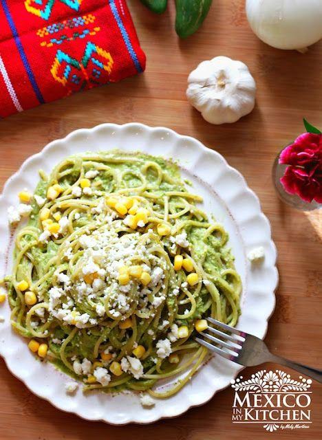 Pasta with Creamy Roasted Poblano Sauce / Pasta con Salsa Cremosa de Chile Poblano