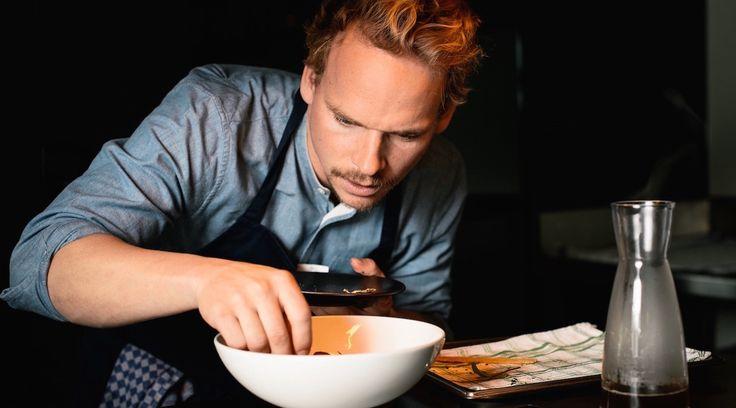 """Ben, ou """"Le Petit Prince"""" pour les intimes, est un amoureux de la gastronomie qui a fait ses armes dans des établissements prestigieux tels que le Noma *** à Copenhague ou le domaine de Châteauvieux** à Genève. Véritable passionné de cuisine, il se fait pionnier de la bistronomie en fondant le restaurant et service traiteur Gourmet Brothers à Vésenaz - pendant ses études à l'EHL, rien que ça ! - avant de se lancer dans l'aventure HomeGourmet avec son vieux copain Vincent...."""