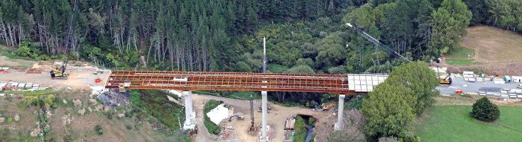 The Karapiro Gully viaduct under construction.