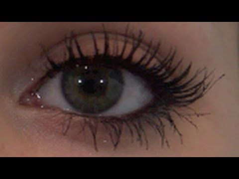 MY MASCARA ROUTINE! best mascara tips ever!! she actually blowdries her eyelashes while seperating them with an old wand to give them that perfect even look