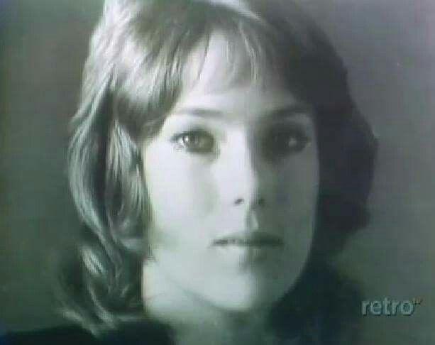 Julia Duffy (Penny Davis):