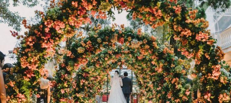 ♥♥♥  Casamento em setembro: vantagens e desvantagens Escolher a data perfeita para o casamento está entre as primeiras decisões de todo casal que planeja a cerimônia. Entre as possibilidades, o casame... http://www.casareumbarato.com.br/casamento-em-setembro-vantagens/