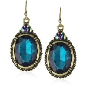 These are perfect for one of my maids of honor to wear with our Peacock-blue bridesmaid dresses. They make a statement without being too loud.