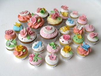 Google Image Result for http://www.onceuponacake.com.au/userfiles/Cupcakes%2520shabby340.jpg