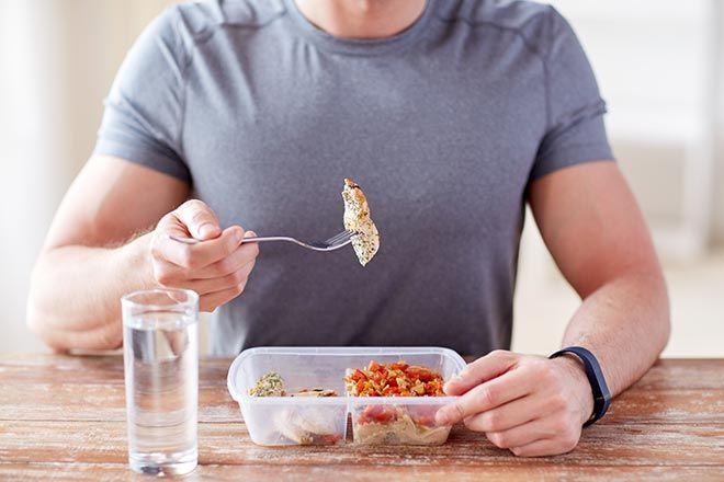 Construisez de la masse musculaire maigre et brûler votre graisse avec notre sélection d'aliments parfaits pour toute une journée de repas sains et équilibrés.
