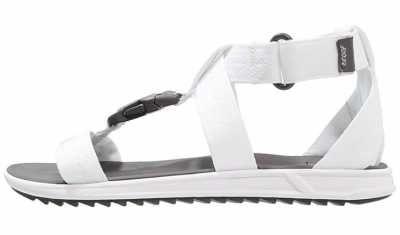 Sandalias De Mujer Las sandalias, junto con las chanclasy las alpargatas, están consideradas como un calzado típicamente veraniego y que es el must have de