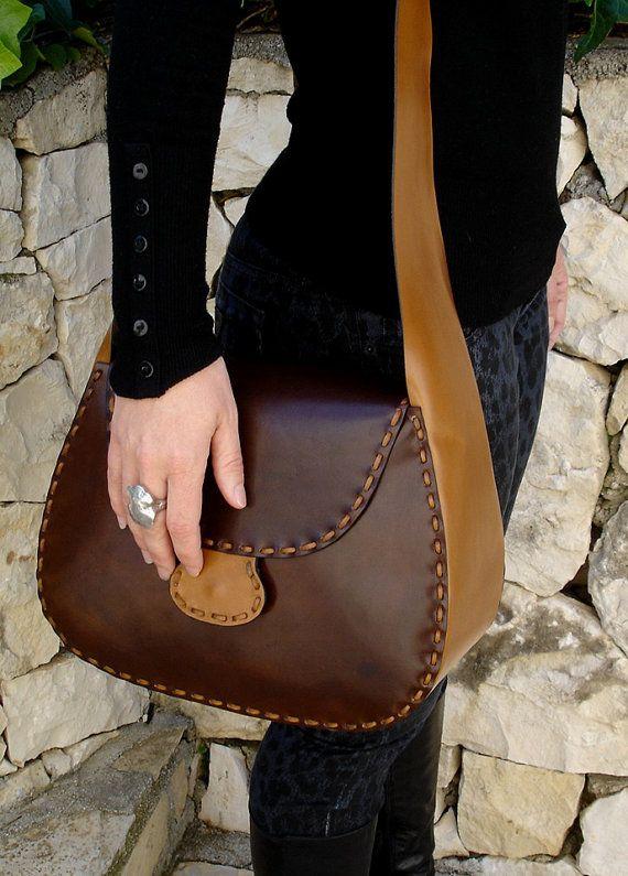 Borsa a mano in pelle / sacchetto / borsa in pelle / borsa / borsa di cuoio borsa a tracolla bandoliera borsa / sacchetto / borsa in pelle di colore marrone e la natura.