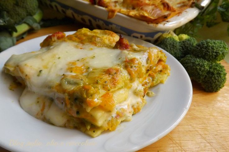 ho fatto una versione molto gustosa,la Lasagna con Broccoletti Zucca e Salsiccia Questi tre sapori si sposano benissimo