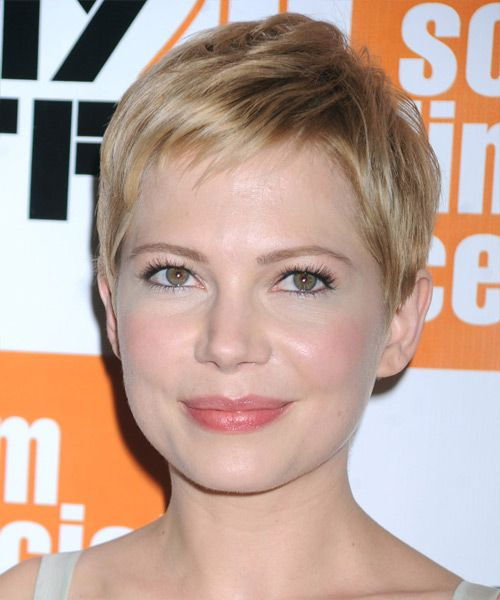 Michelle Williams Short Straight Casual Hairstyle – Champagne Blonde Hair Color with Light Blonde Highlights