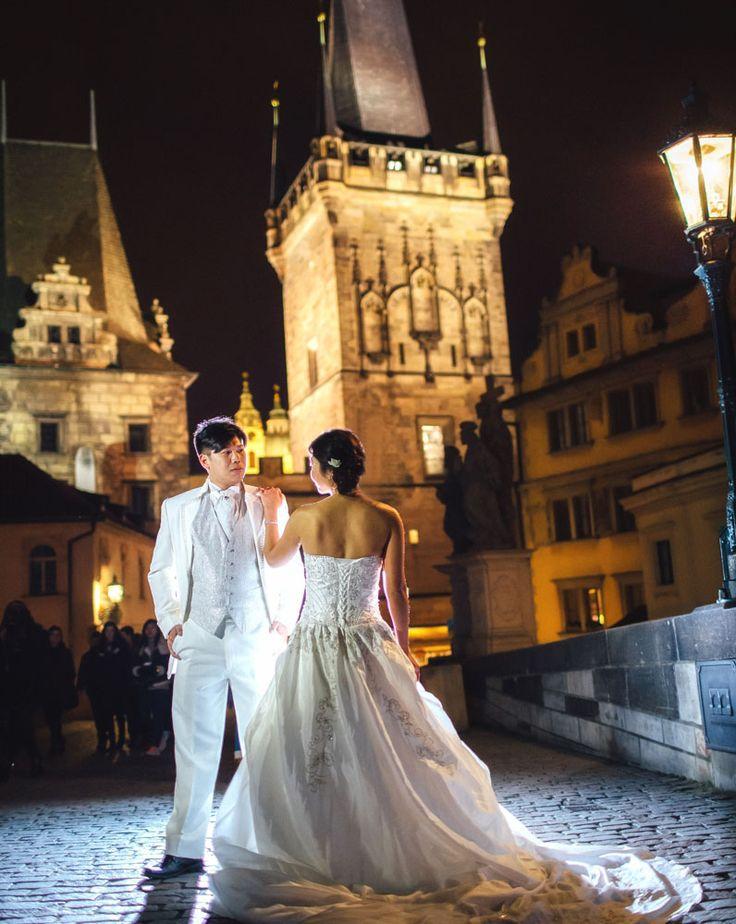 Schnee & Mr. Chen / pre wedding location:  the Charles Bridge