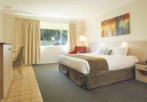 Oaks Oasis, Caloundra   Stay & Play Package      Hotel Spa     2 rounds of golf at Pelican Waters Golf Club (18 holes) including a motorised cart.Tee times need to be checked with the pro shop directly prior to booking on 07 5437 5000  Un-serviced rate, minimum 2 night stay - https://www.oakshotelsresorts.com/RoomAvailability.aspx?sid=50&rtid=302&DateFrom=2013-Aug-28&rcid=-1&Nights=2&Adults=1&Children=0&search=BestPrice#rtid302