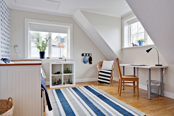 Camera da letto con colori navy