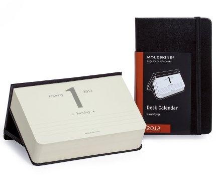 Moleskine - 12 months - Desk Calendar - Hard black cover - Pocket